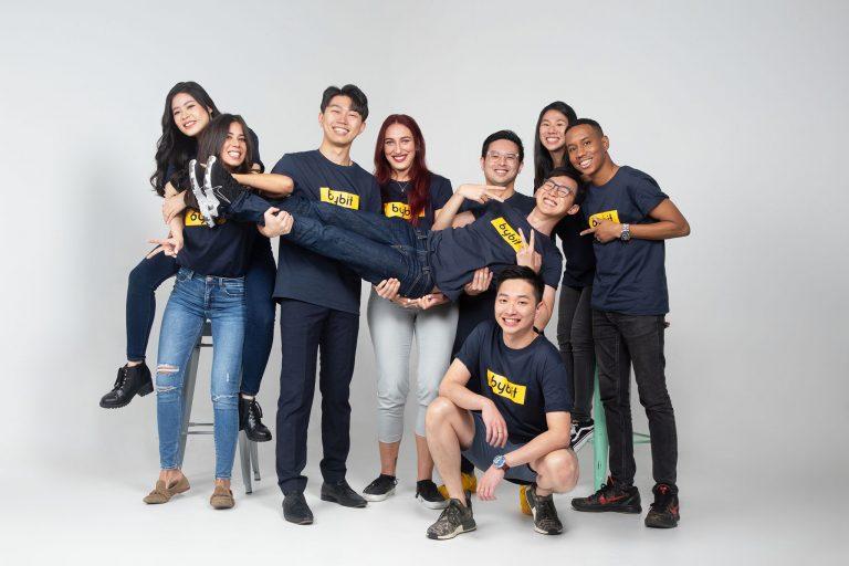 team-bonding-fun-portrait-photography